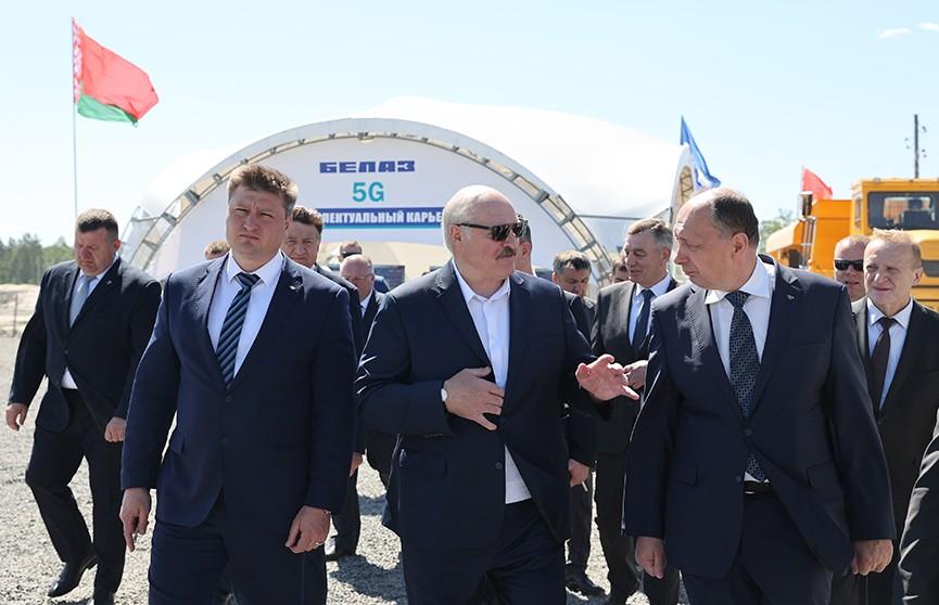 Лукашенко в Микашевичах: Санкций у нас не будет, а если будут – в нашу пользу