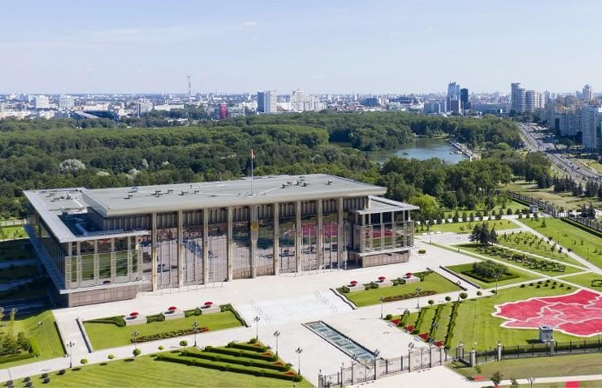 Лукашенко собрал совещание по развитию деревообработки