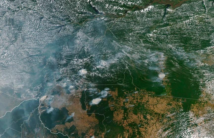 Фотофакт: пожары в лесах Амазонии видны из космоса