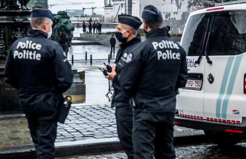В Брюсселе неизвестный напал с ножом на пассажиров в метро. Есть пострадавшие