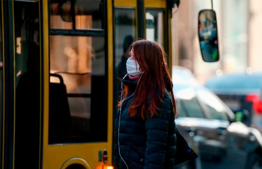 Ученые рассказали, можно ли заразиться коронавирусом на улице