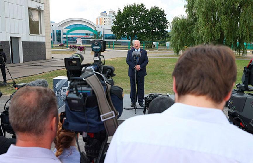 Лукашенко назвал избирательную кампанию 2020 года одной из самых сложных в своей карьере