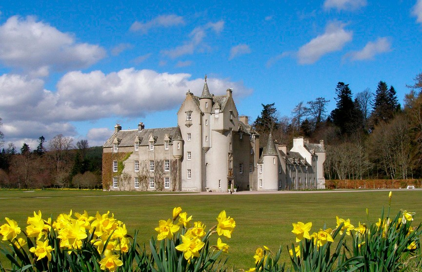 Разыскивается желающий пожить в замке в Шотландии: обещают дворецкого, спа и приятную сумму