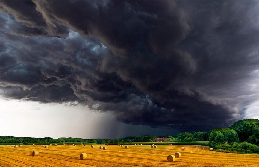 На 12 июля в Беларуси объявлен оранжевый уровень опасности из-за ливней и гроз