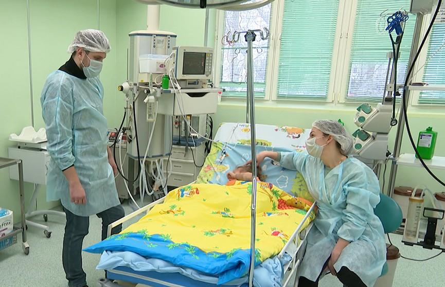 В Беларуси впервые спасли ребенка от тяжелой пневмонии с помощью аппарата экстракорпоральной мембральной аксигинации