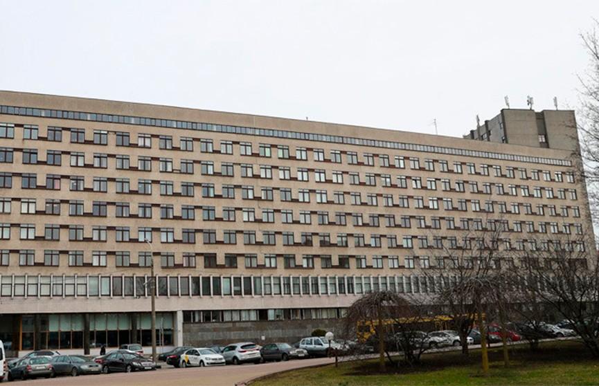 Минздрав: на благотворительные счета на борьбу с COVID-19 уже поступило более 4 млн рублей
