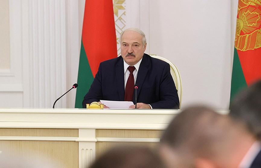 Лукашенко: здравоохранение и впредь будет обеспечено всем необходимым для оказания помощи населению