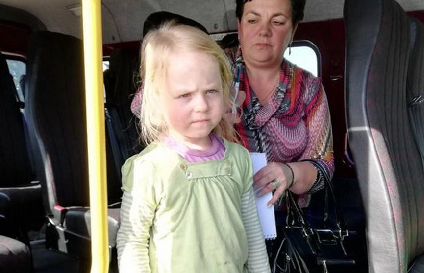 В лесу около Гродно дачник нашёл маленькую девочку: её мама уснула на пикнике