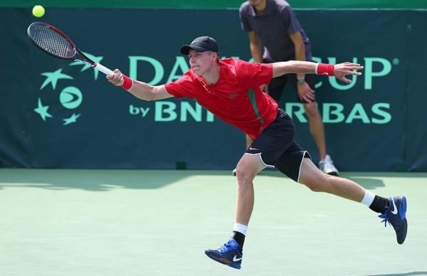 Белорусский теннисист Илья Ивашко пробился в четвертьфинал теннисного турнира в Ортизеи