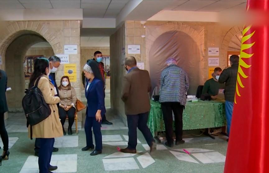 В Кыргызстане день тишины перед конституционным референдумом