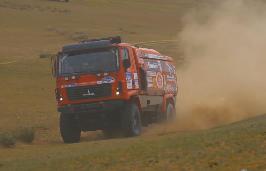 Ралли «Шелковый путь»: экипаж Вязовича финишировал третьим в пятом этапе