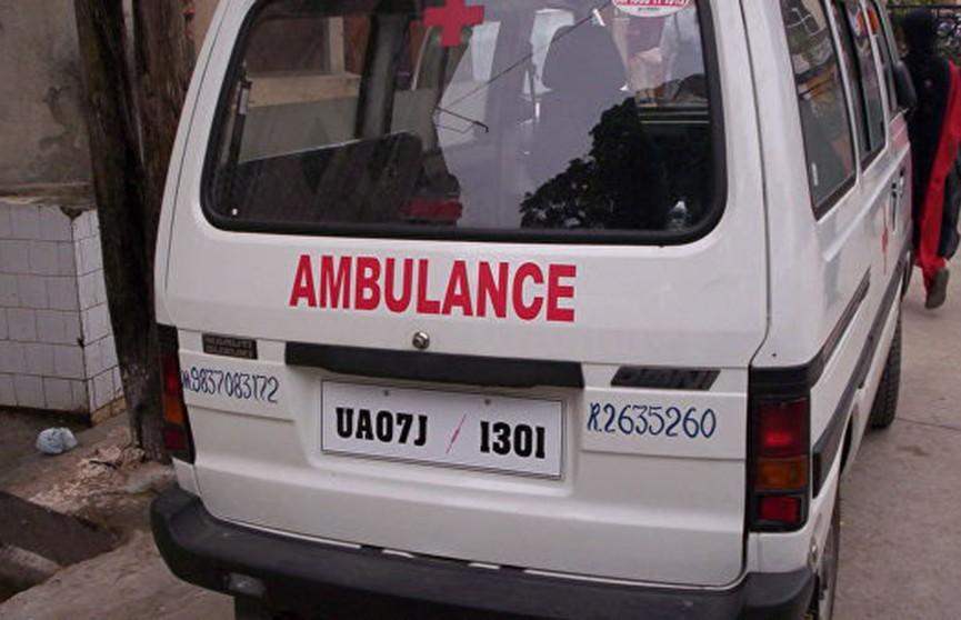 Пассажирский автобус упал с обрыва в Уганде, есть жертвы