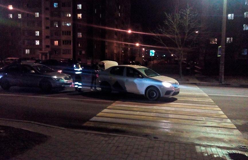 Renault сбил женщину на пешеходном переходе в Минске