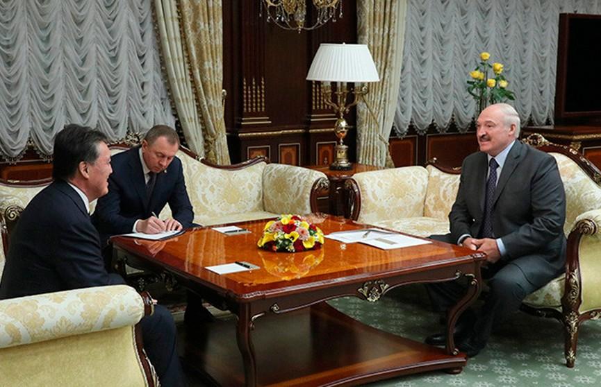 Лукашенко назвал приоритет в отношениях Беларуси и Казахстана