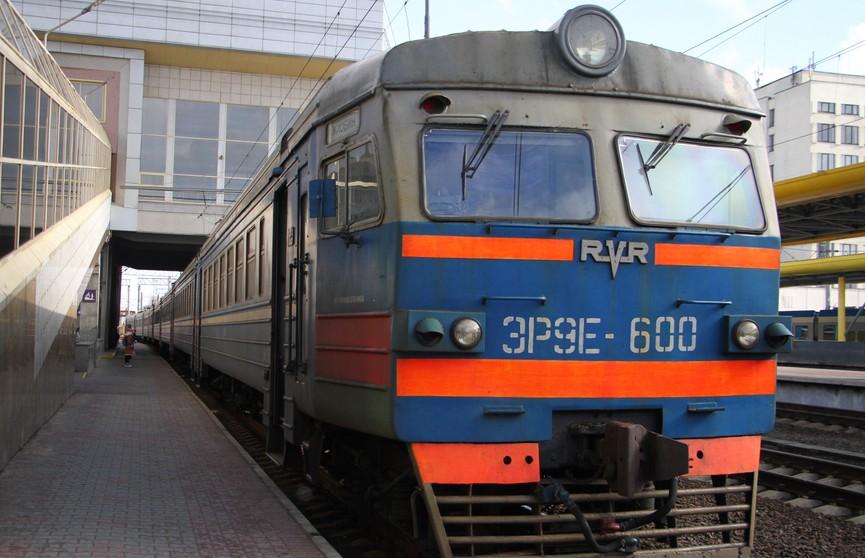 Стало известно расписание поездов на апрельские и майские праздники