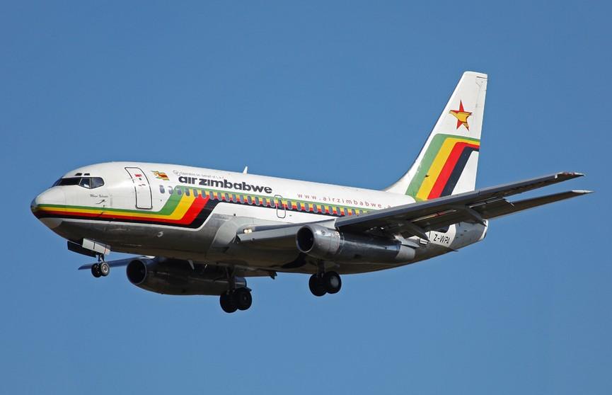 Посадка Boeing с горящим двигателем в ЮАР попала на видео