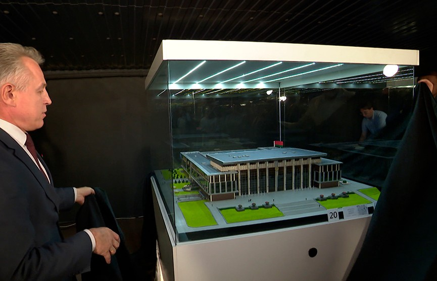 Музей миниатюр представил макет Дворца Независимости