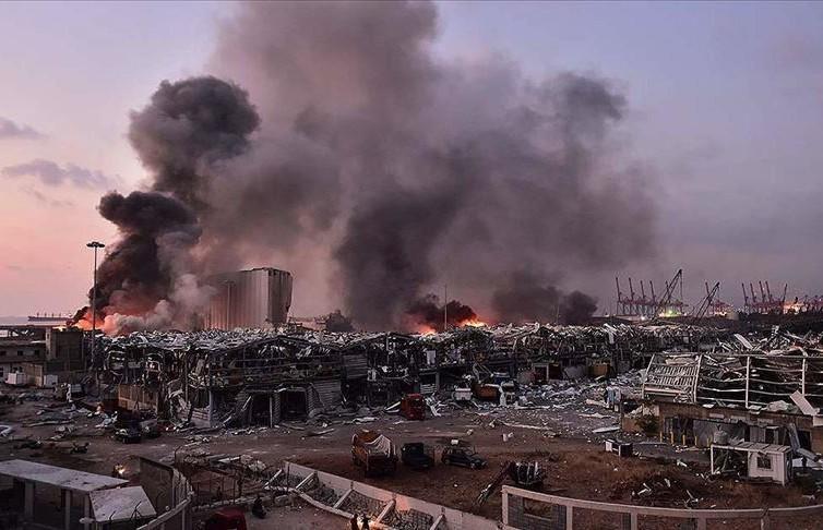 Бейрут после взрыва – фото из космоса: многие здания уничтожены до основания, в эпицентре образовался кратер