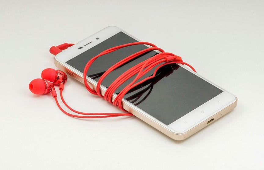 Школьница погибла от взрыва смартфона