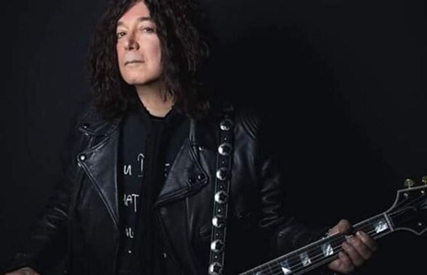 Автор хита I Love Rock 'n' Roll умер от COVID-19