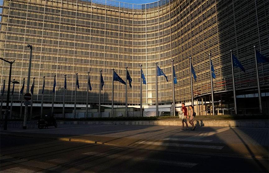 Экономика Евросоюза за II квартал обвалилась на 14,4%