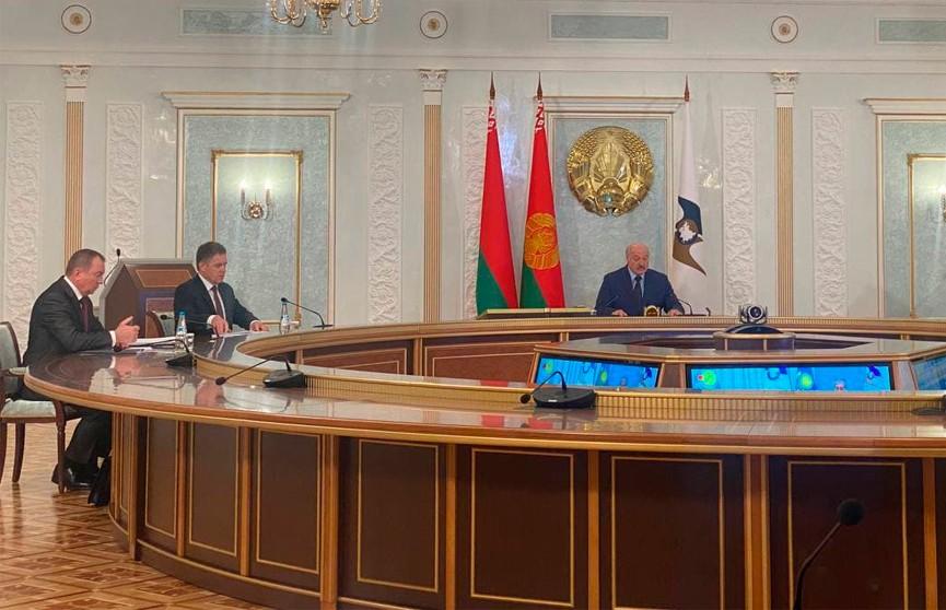 Лукашенко: Очевидно, что Запад не заинтересован в укреплении ЕАЭС, поэтому нужно уже сейчас продумать меры реагирования