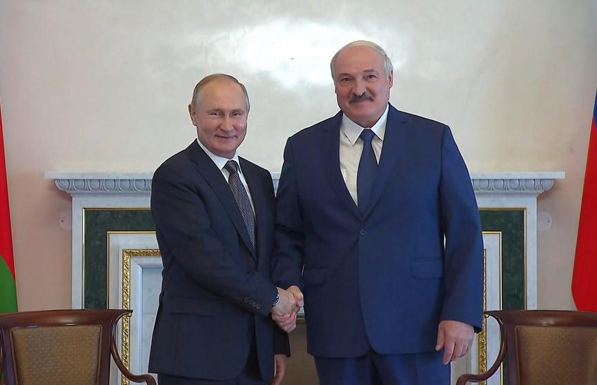 Эксперты активно обсуждают переговоры Президентов Беларуси и России. Какие выводы и прогнозы сделаны?