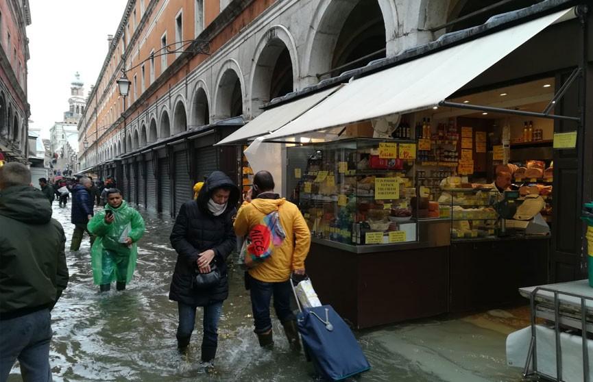 Венеция уходит под воду – фото