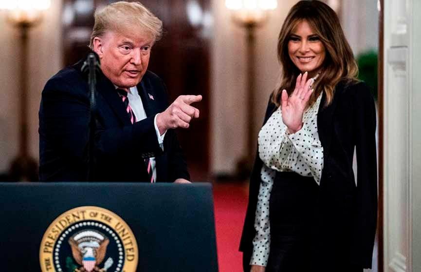 Стильный наряд Мелании Трамп на празднике в Белом доме восхитил публику