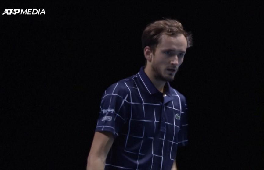 Российский теннисист Даниил Медведев нанес поражение Рафаэлю Надалю в турнире ATP