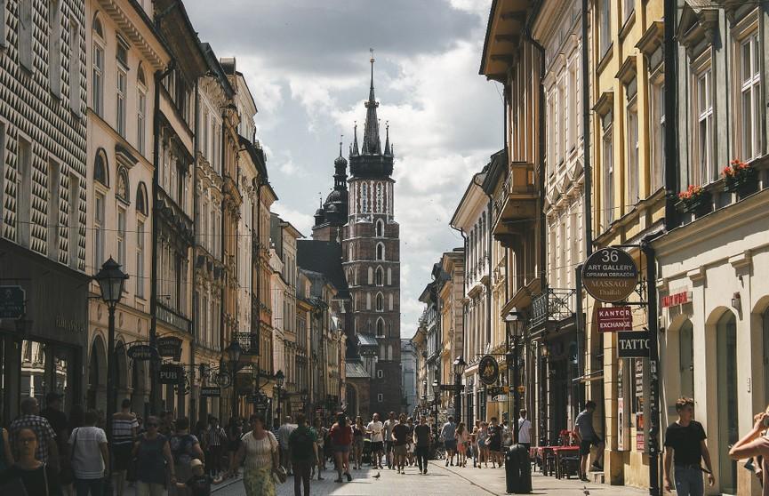 Польша ввела новые правила въезда в страну. Что нужно знать белорусам?