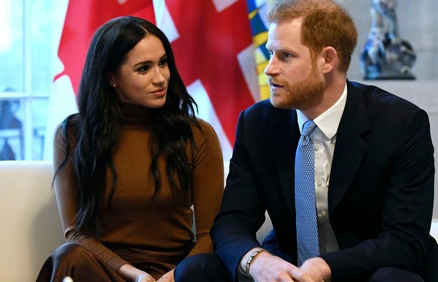 Меган Маркл досрочно вычеркнули из королевской семьи