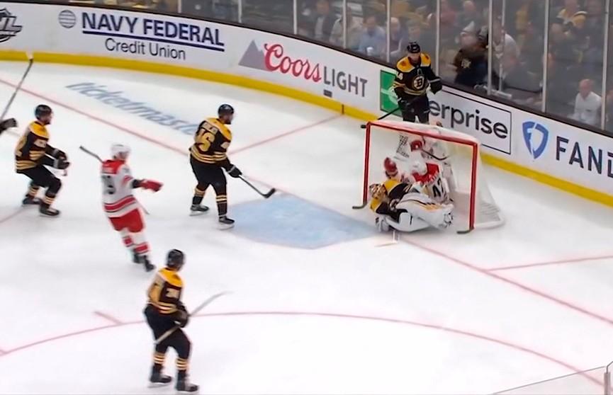 Кубок Стэнли: «Бостон» обыграл «Каролину» со счётом 5:2