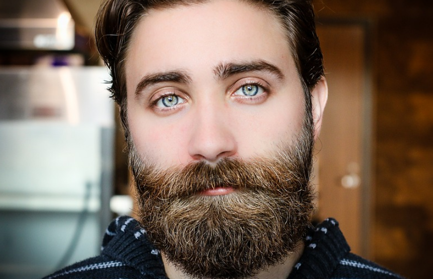 «Преимущество в драках»: ученые выяснили эволюционное назначение бороды