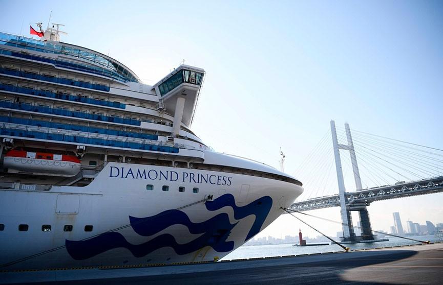 Число заражений коронавирусом на лайнере в Японии удвоилось за сутки