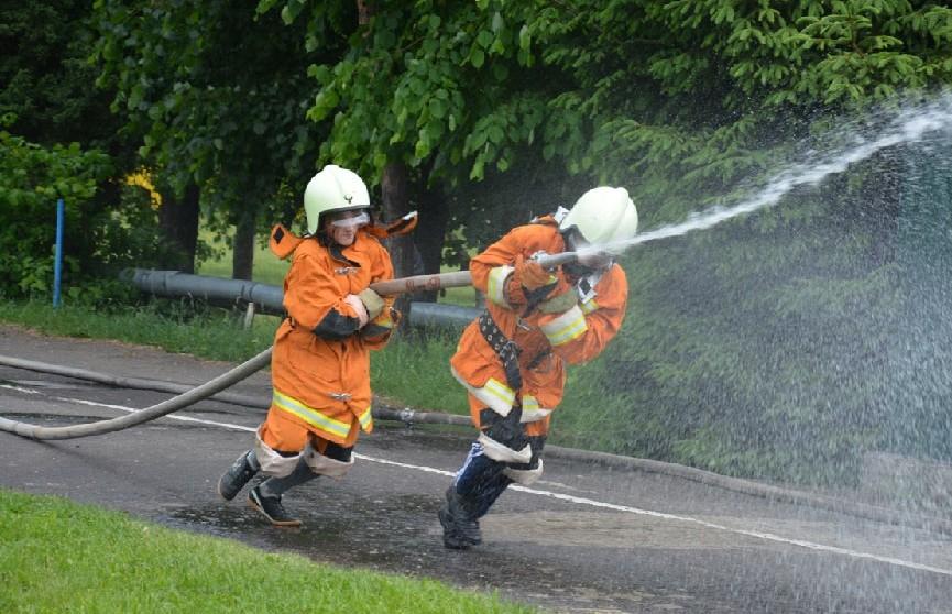 XXII Республиканский слет юных спасателей-пожарных открылся в лагере «Зубрёнок»