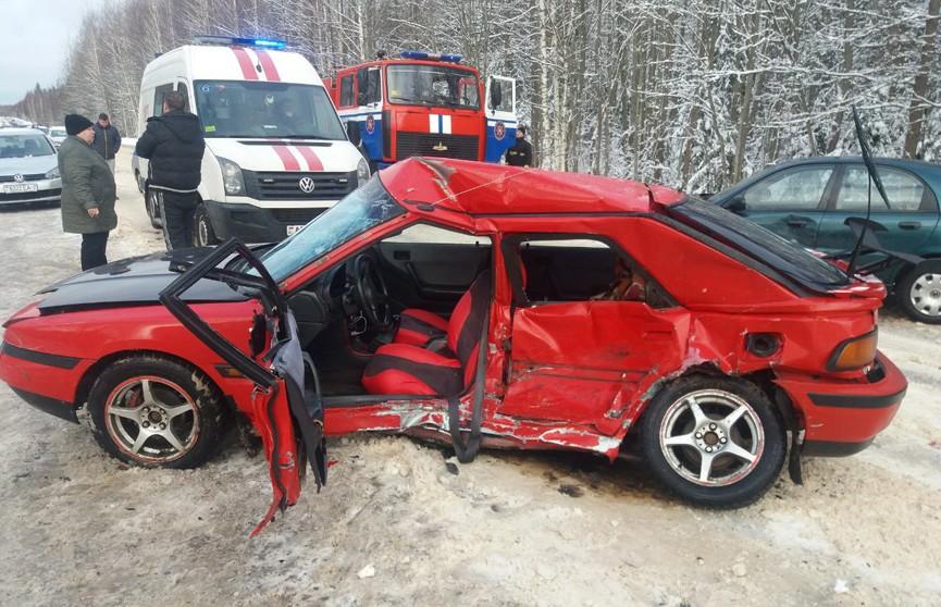 Mazda и Daewoo столкнулись под Новополоцком: водитель японского авто госпитализирован