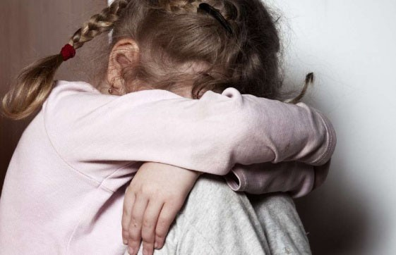 За деньги и еду: завершено расследование дела о торговле детьми с целью сексуальной эксплуатации