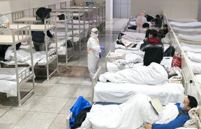 Число жертв коронавируса в Китае выросло до 636 человек
