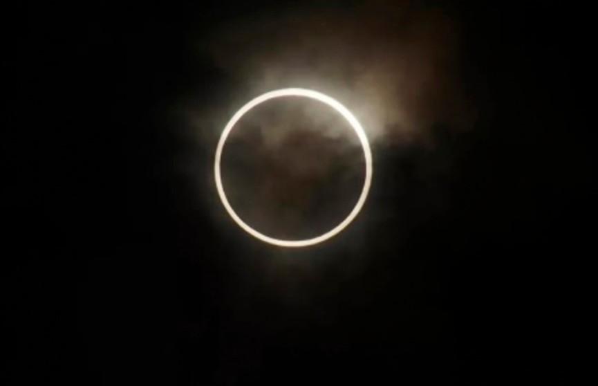 Как выглядело редкое солнечное затмение из космоса? Астронавт показал необычное фото