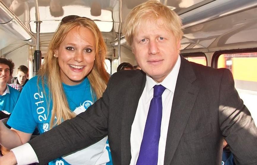 Британскому премьеру грозит уголовное дело из-за связей с американкой