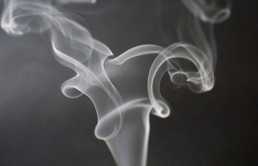 О привычке, которая опаснее курения, рассказал врач