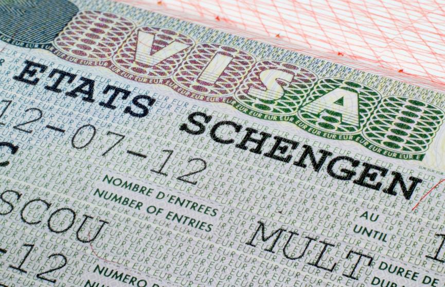 €80 или €35? Сколько всё же белорусы будут платить за «шенген»?