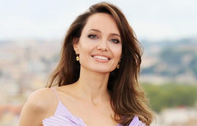 Анджелина Джоли уступила лидерство в рейтинге самых высокооплачиваемых актрис
