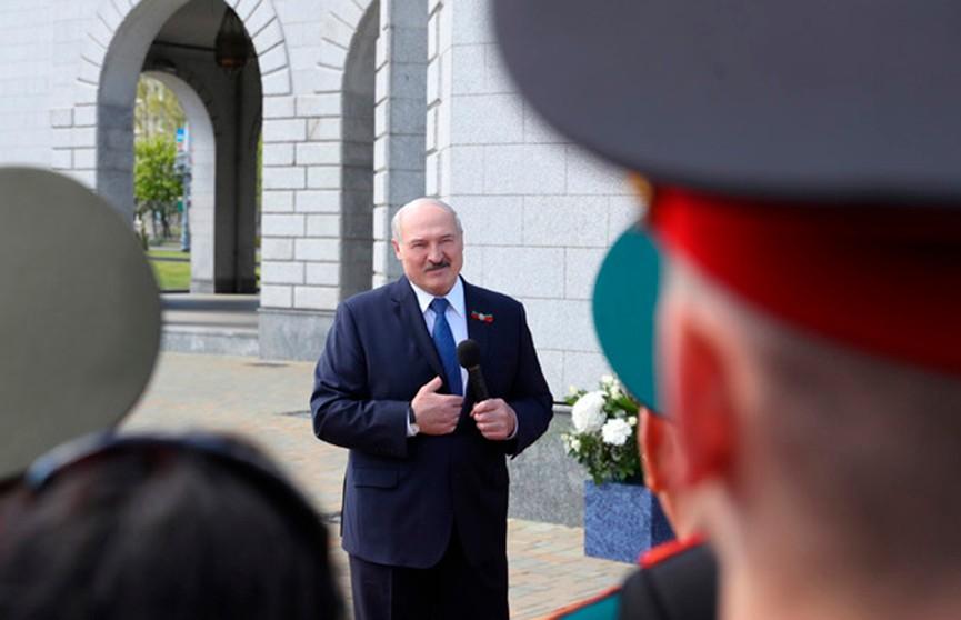 Лукашенко уверен в правильности выбранного Беларусью пути в борьбе с COVID-19