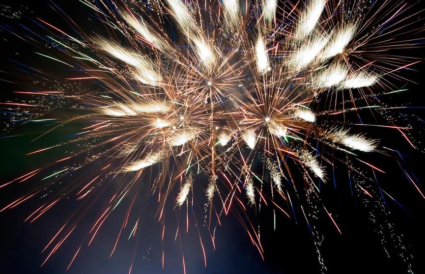 9 мая праздничный фейерверк пройдёт в Минске на восьми площадках