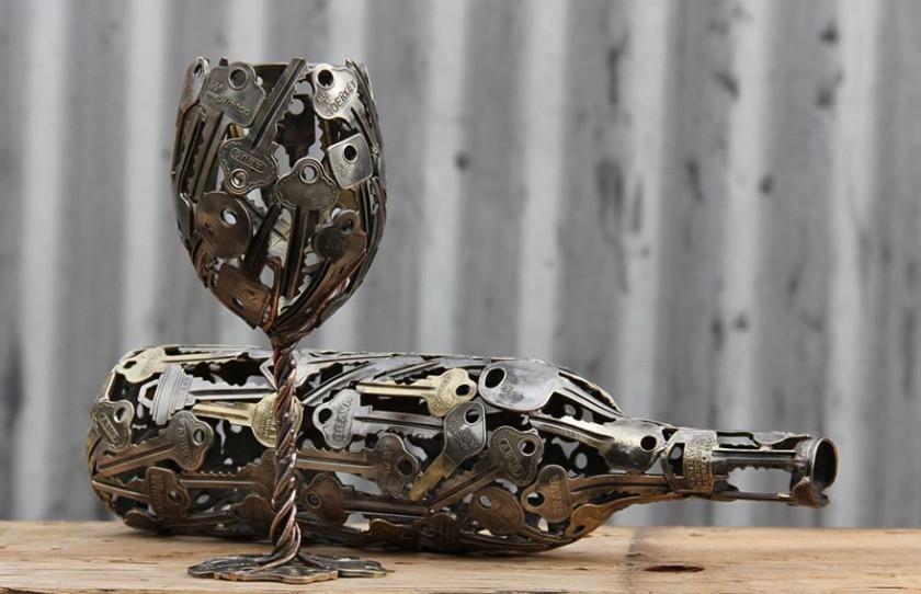 Австралийский художник создает креативные предметы из старых ключей и монет