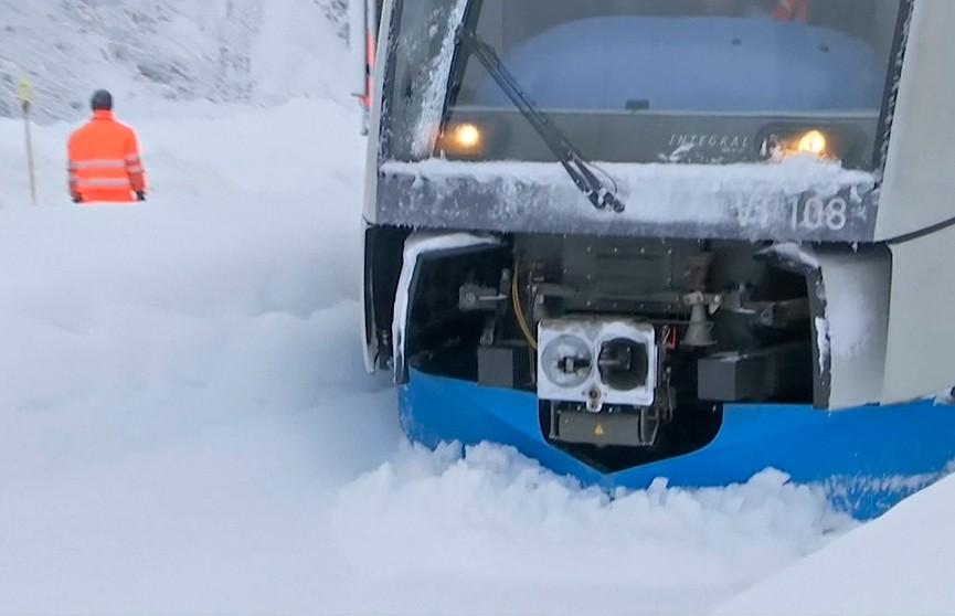 Европа продолжает замерзать. Число жертв снежного шторма уже достигло 14
