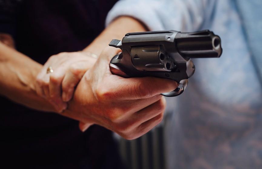 Американец случайно застрелил подругу во время секса