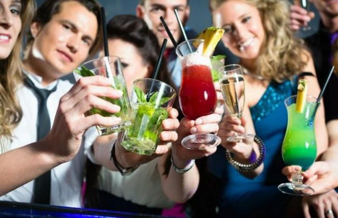 О признаках алкогольной зависимости рассказали медики